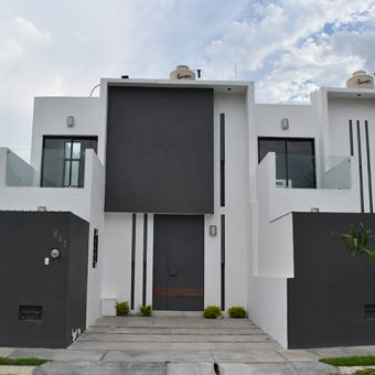 En VENTA Hermosa Casa en Villa de Álvarez a unos pasos de la Av. Pablo Silva
