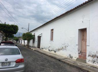 En Venta Preciosa Casa en el Centro de Cómala.