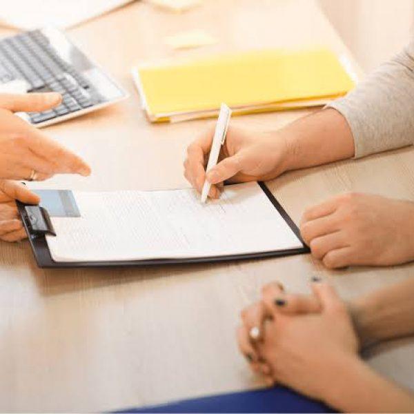 ¿Cuáles son las cláusulas del contrato de compraventa de una casa?