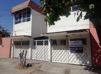 En Venta o Renta Amplia Casa en el Centro de Tecomán