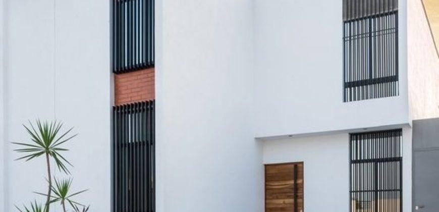 En Venta Casa en Residencial Albaterra,Colima