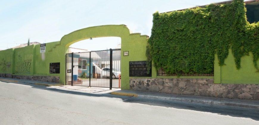 Casa en Jardines de Santa Isabel, Guadalajara. 4 Recámaras.