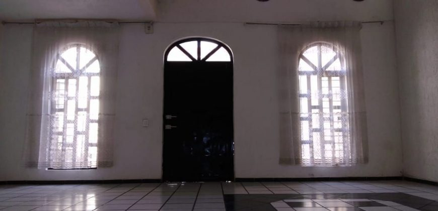 Casa en Lomas del Manantial, Tonalá. 3 Recámaras.